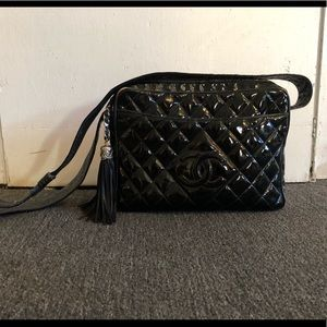 CHANEL vintage patent leather crossbody